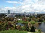 Olympiastadion mit Olympiasee, ©bundesligaindeinerstadt